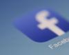 Facebook将数百名员工转移到新的AR眼镜团队