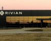 马斯克告诉Rivian在建造另一座工厂之前先让一座工厂运转起